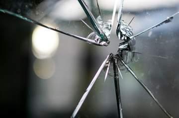 Bris de glace : votre artisan 33 pour un remplacement de fenêtre