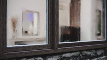 Pose de sur vitrage : votre artisan proche Bordeaux le fait !